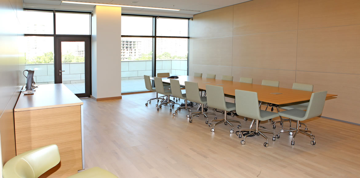 faculty_conference_room02-main.jpg